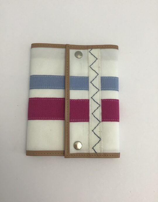 portafoglio azzurro e fuxia di artemisia Design