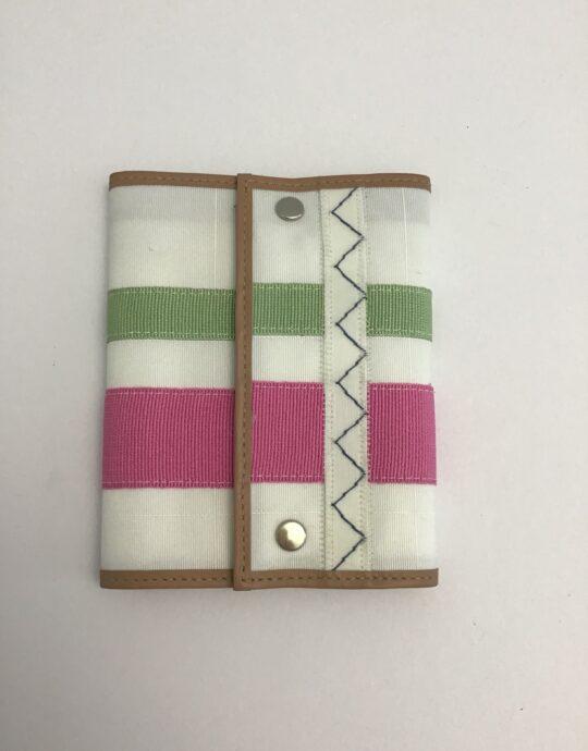 portafoglio rosa e verde di artemisia design